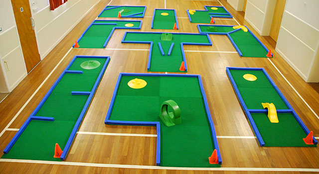 Crazy Golf Hire - Party, Event and Wedding Games   Fun4Guests